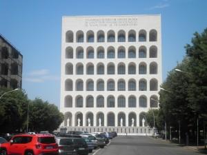 Rom E.U.R.: Palazzo della Civiltà Italiana. Foto: Wolfgang Schmale, 6.6.2015