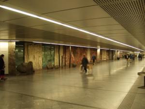 """Wien, Westbahnhof, """"Geschichte Europas"""" von Adolf Frohner; Foto: Wolfgang Schmale, 16.4.2004"""