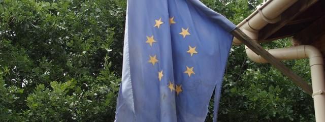 Europaflagge thrakischer Tempel Horizont, Bulgarien. Foto: Wolfgang Schmale, Juni 2016