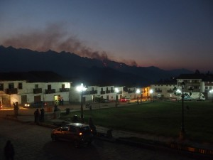 Cahacas künstlich gelegte Feuer