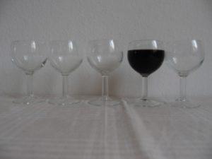 Rotweinglas aus dem La Samaritaine 1988; Foto: Wolfgang Schmale