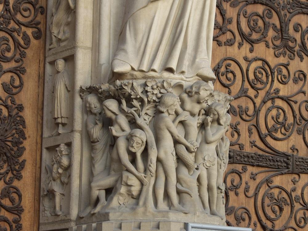 Adam und Eva, Fassade, Notre-Dame de Paris. Foto: Wolfgang Schmale